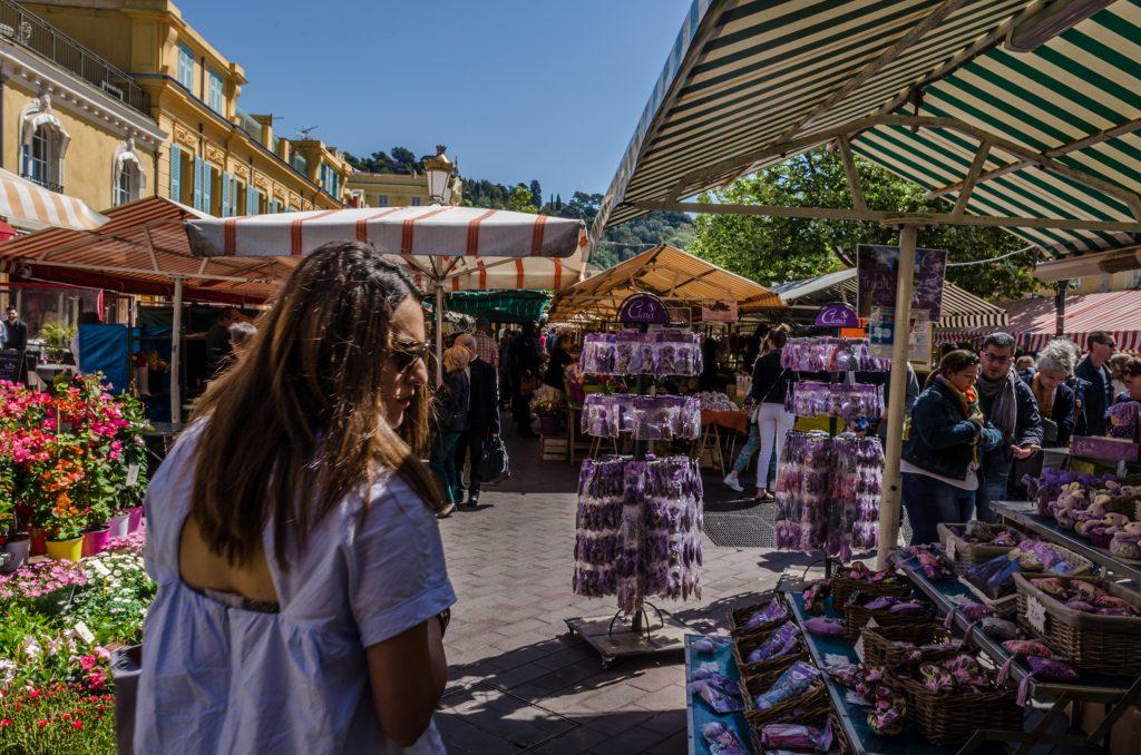Nice, promenade au cours Saleya