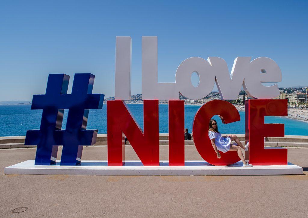 I love Nice, photo oblige au bout de la promenade des anglais de Nice
