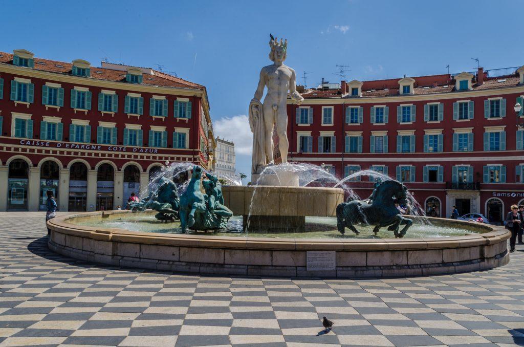 Statue place massena a Nice