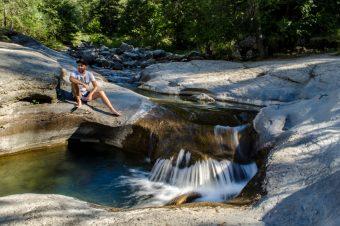 Découvre les piscines naturelles des Vasques de la Lance